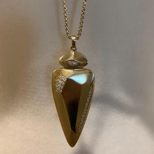Kendra Scott Staley Arrowhead Necklace in Gold
